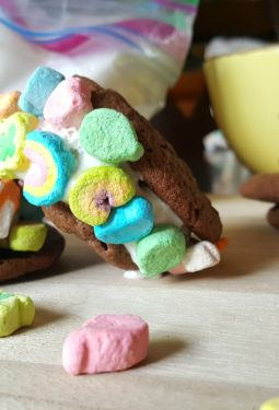 Lucky Charms Marshmallow Ice Cream Sandwiches #LuckyCharms #AD