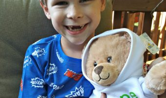 Give Hope to Children Fighting Cancer With The Give Hope Bear From Extended Stay America #GiveHope #ad