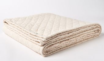 WIN 2 Pacifica Memory Foam Pillows + A Queen Size Beachwood Linen Quilt #Giveaway